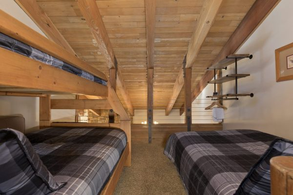 The *Sky-Loft* Open Rm *Full+2Twins *Attached Bath *TV *Games *Videos *Library