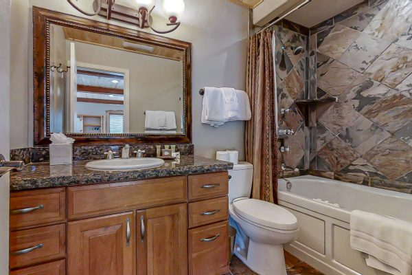 Master Bath - Jacuzzi Tub (one of 4 splendid bathrooms)